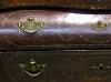 Cómoda mallorquina de caoba con incrustaciones, metal y hueso