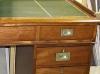 Mesa despacho con tapa cuero